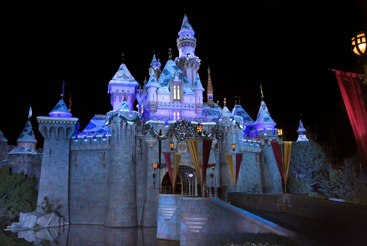 High Resolution Disney Wallpaper: High Quality Castle Wallpapers Free